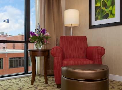 Standard King Room Chair