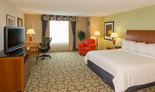 Accessible Single King Guestroom Suite