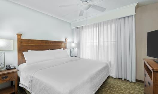 Single King Bedroom in Guestroom Suite