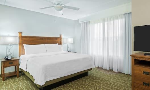 King Studio Suite Bed