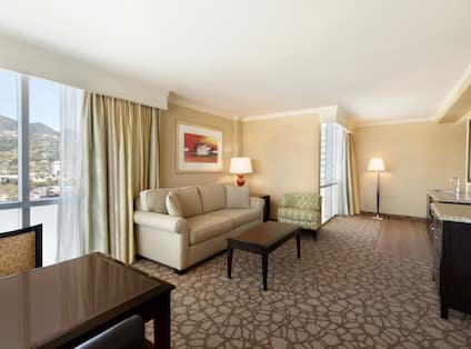 2 Room Corner Suite