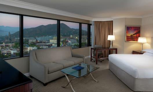 King Bed Corner Room