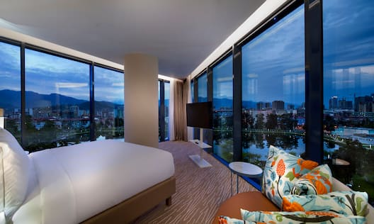 Executive Corner Room With Mountain View
