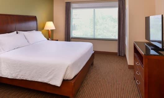 King Guestroom Bedroom