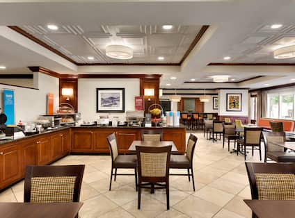 Breakfast Area Dining