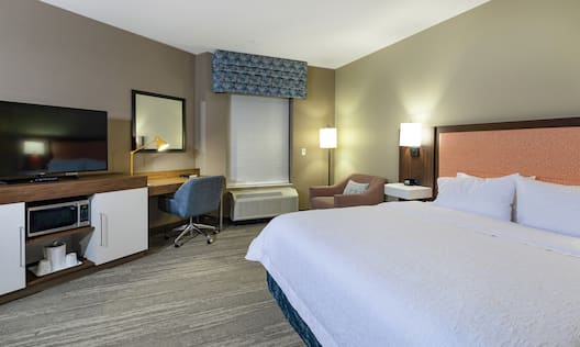 Accessible King Guest Room with Amenities