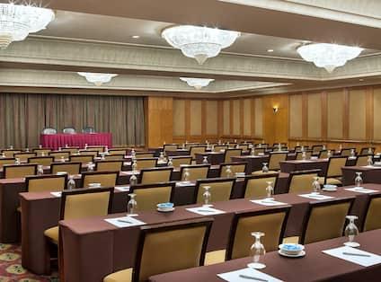 Salon Diplomat Classroom Style