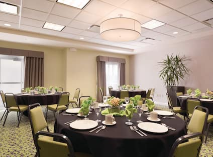 Banquet Room Round Tables