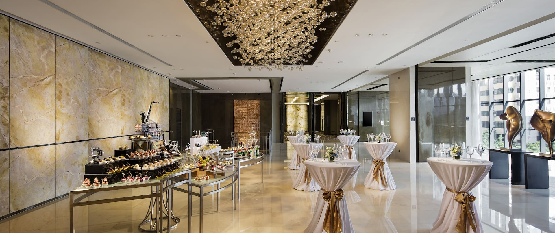 Spacious Foyer Area with Buffet Area