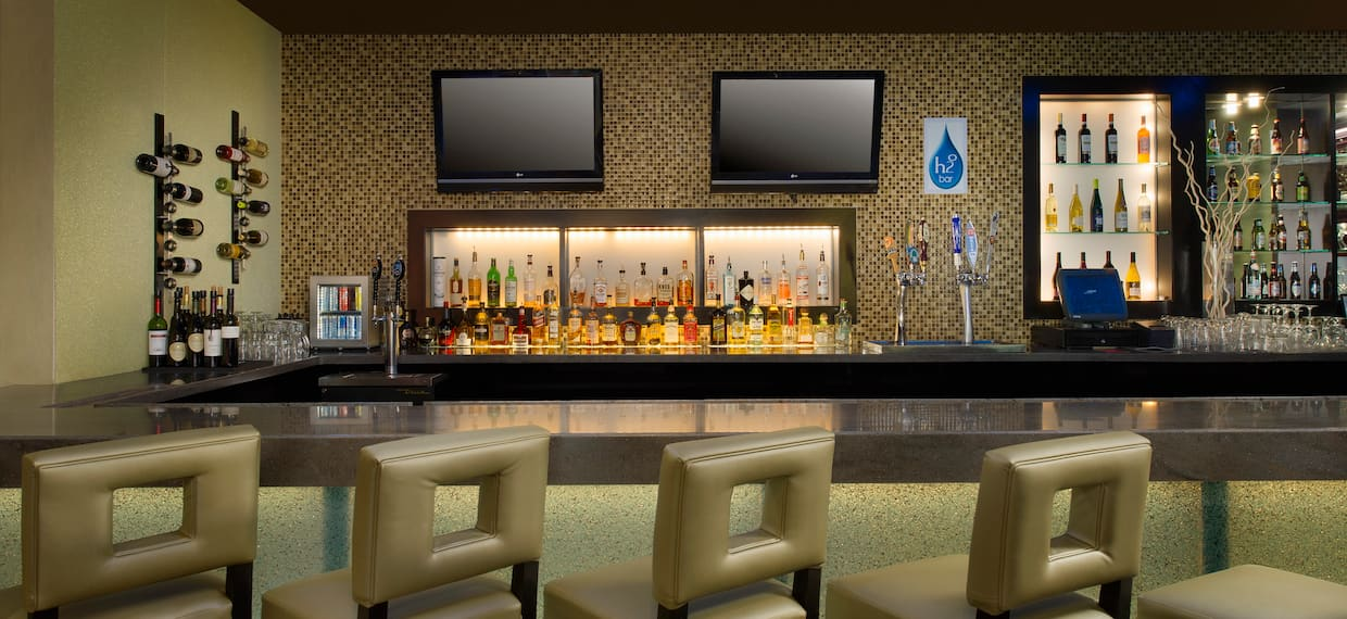 H2O Bar and Lounge