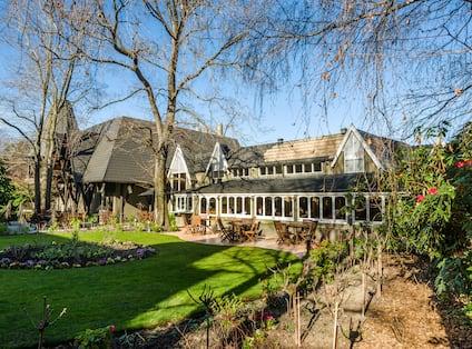 Beautiful Hotel Gardens
