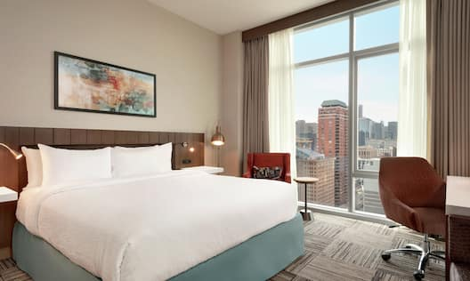 King Corner Guest Room with City View
