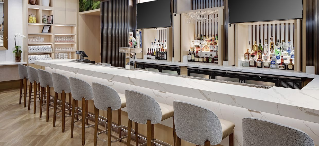 HotHouse Bar with Counter and Chairs