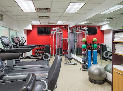 Hilton Chicago/Northbrook Hotel, IL - Fitness Center Machines and Equipment