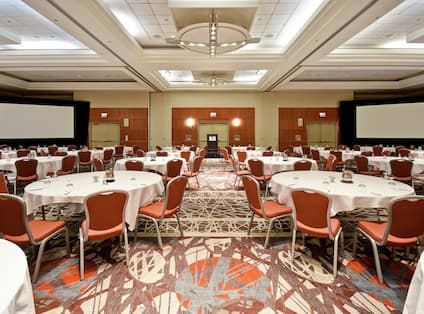 Ballroom with tables and chairs