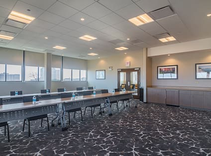 Business Center / Meeting Space