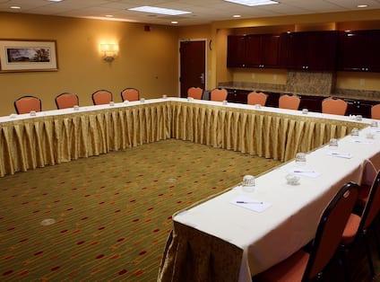 Meeting Room, U-Shape Front View