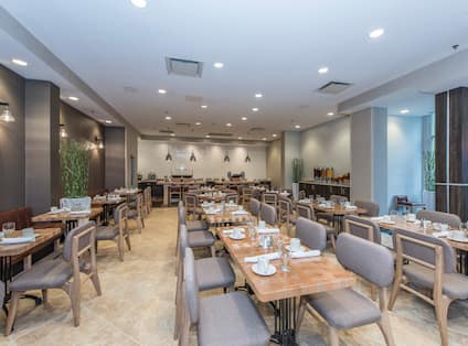 Breakfast Restaurant Seating