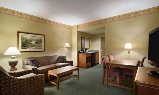 Suite - Suite Parlor