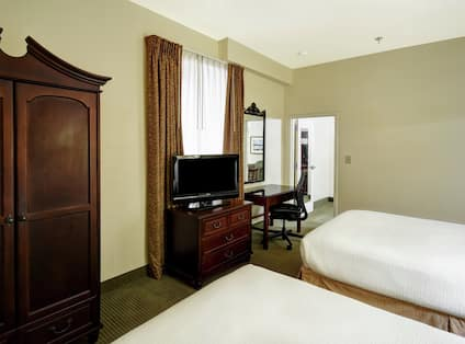 Suite with Two Double Beds and Work Desk