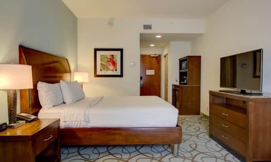 Queen Bedroom,