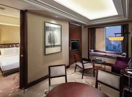 One King Bed Executive Suite with Lounge Access