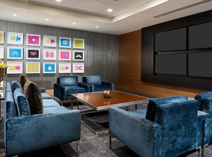 Executive Lounge With Room Technology
