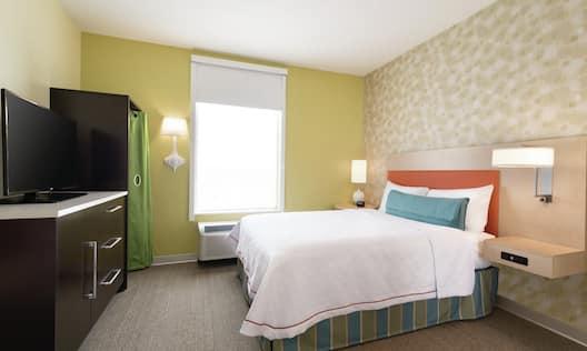 Queen Studio Suite Bed