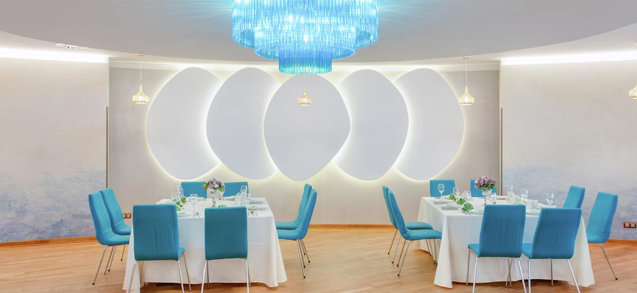 Marco Polo Restaurant Dining Tables