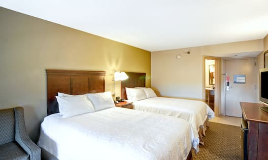 Two Double Beds Room with Hospitality Center