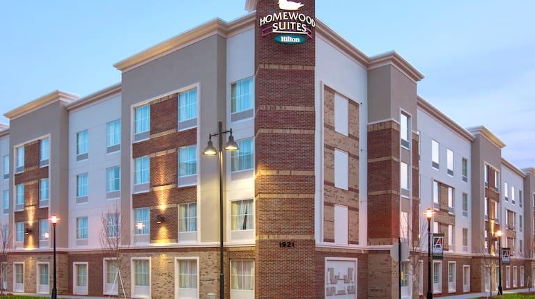 Homewood Suites by Hilton Charlotte/Ayrsley, NC Hotel