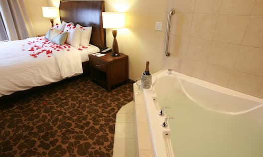 Guest Room with King Bed and Whirlpool Tub