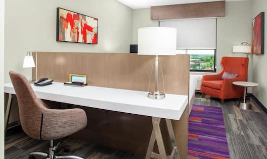 Premium King Room Work Desk