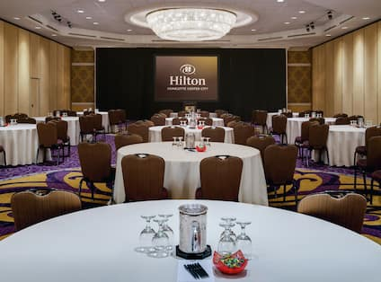 Meeting Space Setup with Round Tables