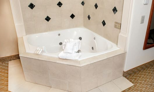 King Accessible Whirlpool Jetted Bathtub