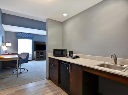 King Accessible Bedroom With Wet Bar