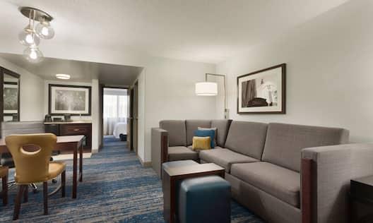 1 King 1 Bedroom Suite Living Area