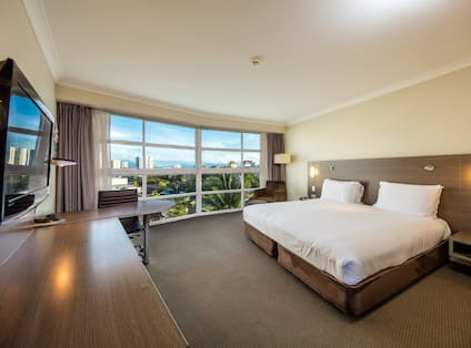 King Deluxe Room with Mountain View