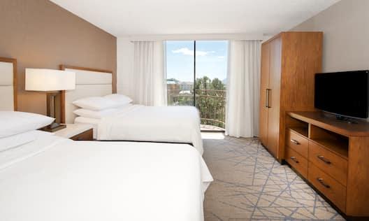 2 Queens Guest Suite