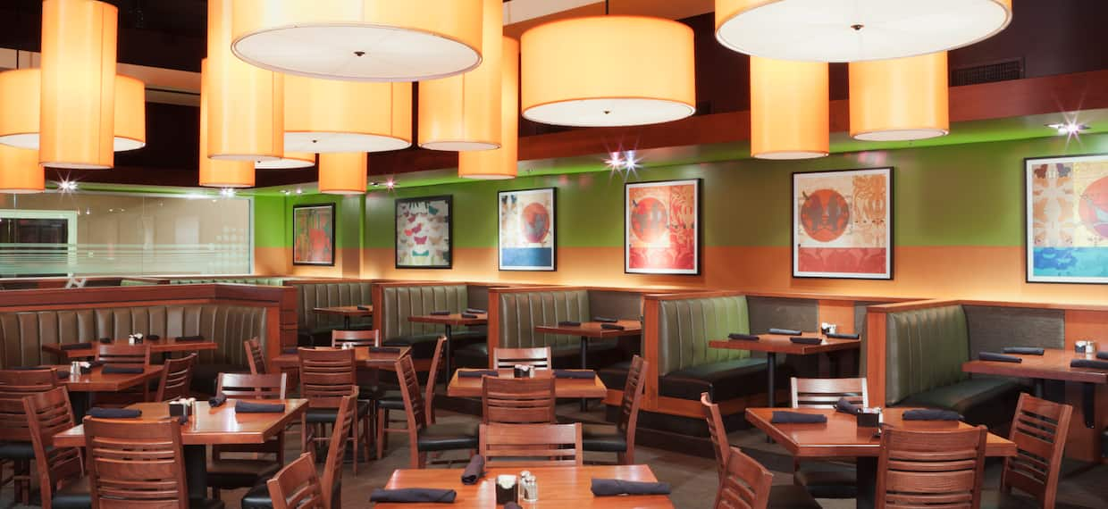Dining Tables in Houlihan's