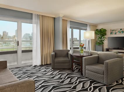 Presidential Suite with Outside View, Room Technology, and Lounge Area