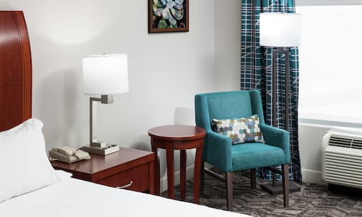 Accessible King Guest Room With Chair