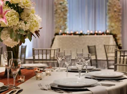 Embassy Suites Dallas - DFW Airport North Outdoor World Hotel, TX - Cross Timbers Wedding Setup