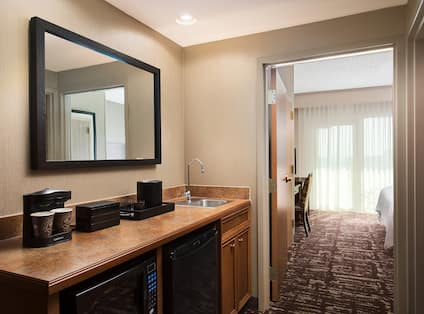 Suite Wetbar with Coffeemaker, Sink, Microwave and Mini-Fridge