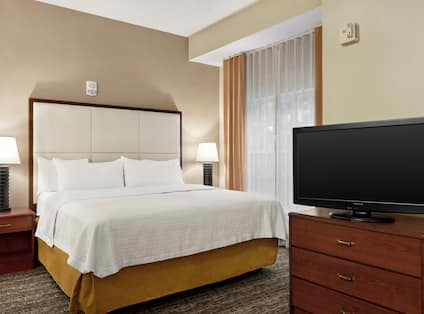 Accessible Suite with King Bed and TV