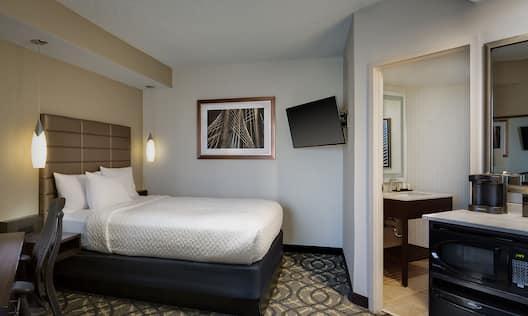 Queen Bed Non-Suite