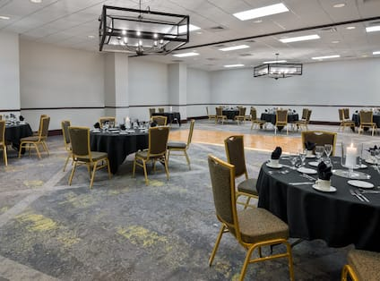 Meeting Room Round Tables