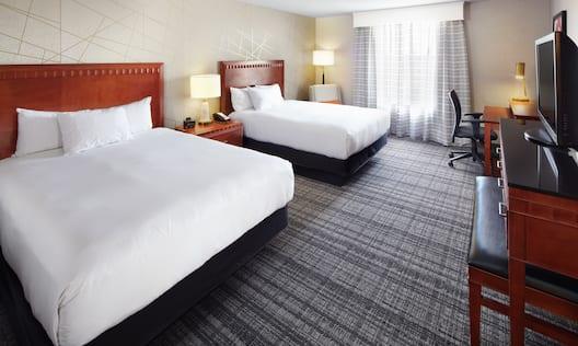 Queen-Queen Guestroom