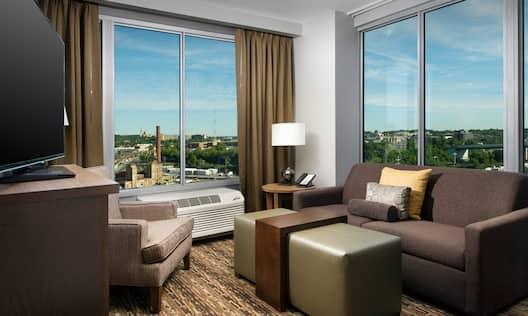 Suites Corner room