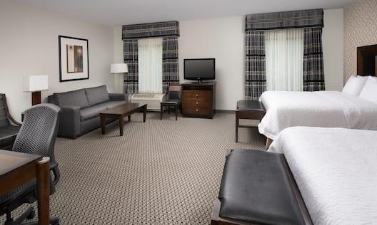 2 Queen Studio Suite Room